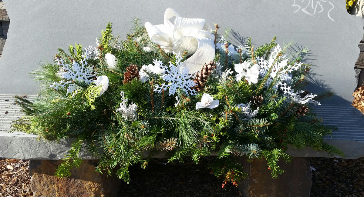 Christmas Grave Blankets For Sale Near Me.Grave Blankets By Denny Wiggers Florist